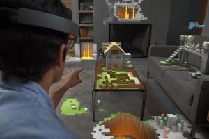 Microsoft'un geçtiğimiz ay içinde duyurduğu sanal gerçeklik teknolojisi HoloLens'de ise dikkat çekici bir ayrıntı vardı; tanıtımlarında Minecraft ile üretilmiş sanal gerçeklik uygulamalarının öne çıkması.